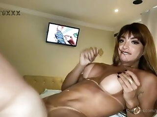 Sexy Ts Priscila is an incredible fucker amateur big ass big tits